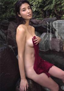 橋本マナミのちょっとエッチな過激画像10